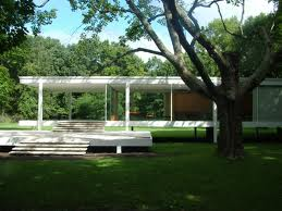 Mies van der Rohe's Farnsworth House in Plano, Illinois
